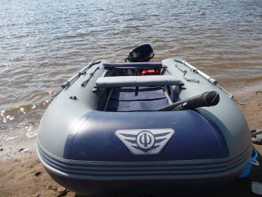 Лодка «ФЛАГМАН - 320»